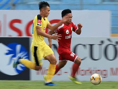 Hà Nội B (áo vàng) đáp ứng được đúng luật khi dự trận play-off.