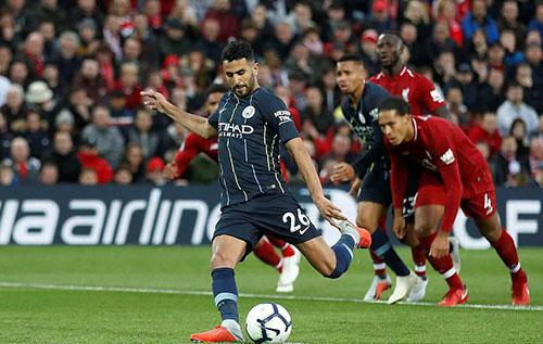 Liverpool may mắn thoát thua phút cuối khi Mahrez sút hỏng phạt đền. Ảnh: Reuters.