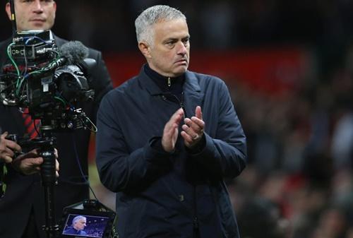 Mourinho thoát trát sa thải sớm nhờ chiến thắng 3-2 trước Newcastle cuối tuần trước. Ảnh: Reuters.