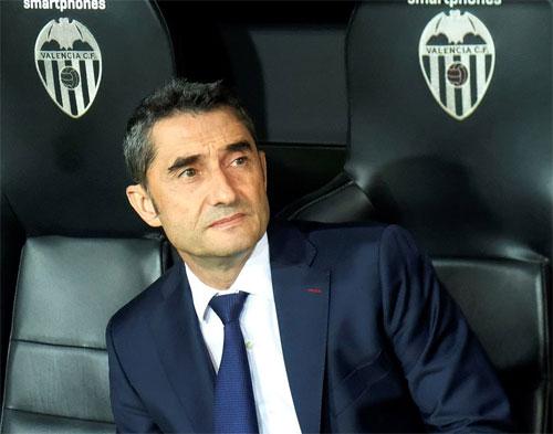 HLV Valverde không thể có hai chiến thắng quan trọng trên sân đối phương trong vòng bốn ngày.