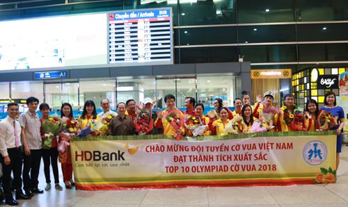 Sau chiến tích ngoài mong đợi, hôm qua đội cờ vua Việt Nam đã về TP HCM.