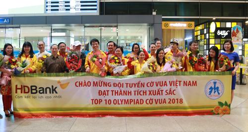 Đội tuyển Việt Nam khi trở về Việt Nam hôm qua.