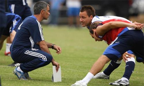 Mourinho xuất hiện, và gần như ngay lập tức làm thay đổi Terry từ trong tiềm thức.