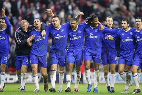 Terry tự nhận may mắn được chơi trong một tập thể tài năng, cá tính và đồng lòng dưới sự chỉ đạo của Mourinho ở Chelsea.