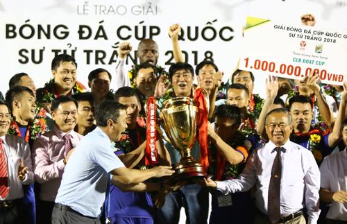 Bình Dương lần thứ ba giành chức vô địch Cup Quốc gia vào chiều 15/10. Ảnh: Lê Đình
