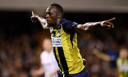 Usain Bolt sắp có bản hợp đồng chuyên nghiệp bóng đá đầu tiên. Ảnh: EPA.