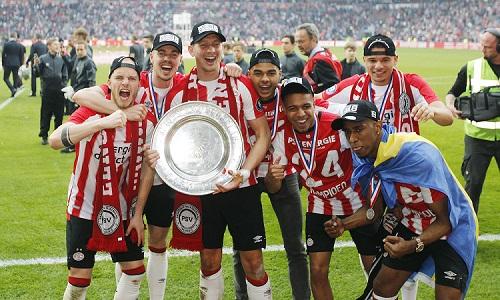 PSV đang là ĐKVĐ giải bóng đá Hà Lan. Ảnh: Dutch News.