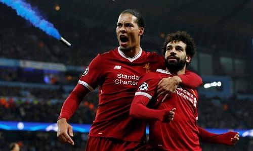 Liverpool lo lắng vì chấn thương của Van Dijk và Salah
