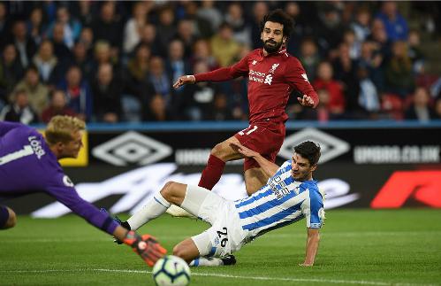 Tình huống ghi bàn của Salah. Ảnh: AFP.