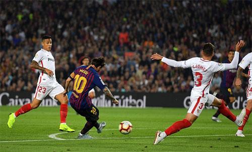 Trước khi dính chấn thương, Messi kịp giúp Barca tạo dựng nền tảng chắc chắn cho chiến thắng.