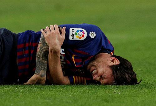 Messi chỉ thi đấu được hơn 20 phút. Ảnh: Reuters