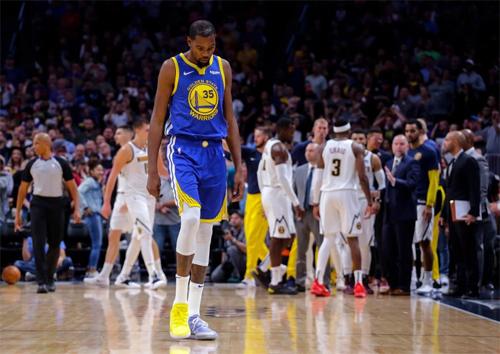 Nỗi buồn thua trận của Kevin Durant. Ảnh: AP.