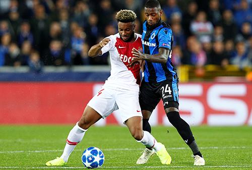 Sylla (áo đỏ trắng) được kỳ vọng sẽ trở thành một Mbappe mới, hoặc Henry mới của Monaco. Ảnh: Reuters.
