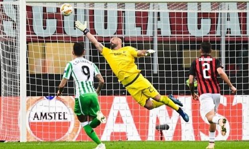 Siêu phẩm từ Lo Celso góp phần giúp Real Betis hạ AC Milan ngay tại San Siro. Ảnh: AFP.