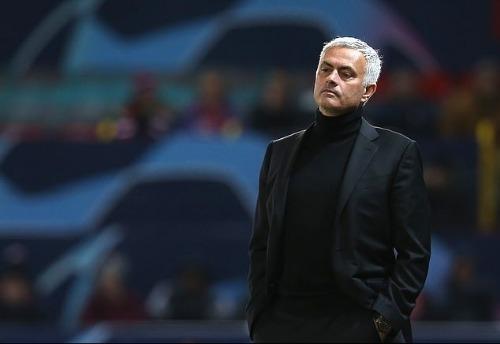 Mourinho gặp những vấn đề hậu cần khiến ông đau đầu. Ảnh: Man Utd.