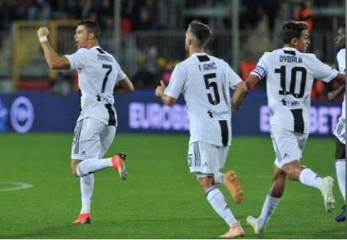 Juventus kết thúc 10 vòng đầu với 9 chiến thắng, một trận hòa. Ảnh: Reuters.