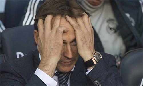 Chỉ trong vòng bốn tháng, Lopetegui hai lần bị sa thải ở hai vị trí mà ông hằng mong ước. Hồi tháng Sáu, ông này mất chức HLV trưởng tuyển Tây Ban Nha ngay trước thềm World Cup.