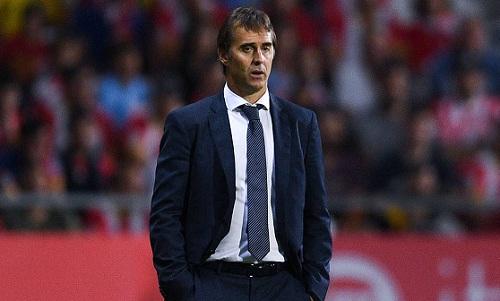 Julen Lopetegui mất việc sau thất bại ở trận El Clasico. Ảnh: AS.