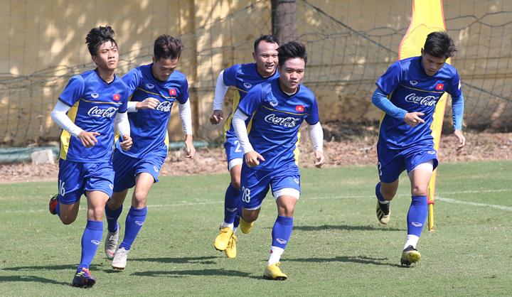 Đinh Thanh Trung (số 28) không được HLV Park Hang-seo chọn đi dự AFF Cup 2018. Ảnh: Lâm Thỏa