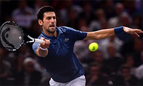 Djokovic vào chung kết dù không thắng một game giao bóng nào của Federer. Ảnh: Sky.