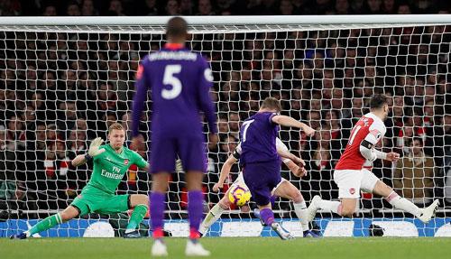 Milner đá bồi mở tỷ số cho Liverpool. Ảnh: Reuters.