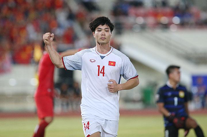 Công Phượng được bình chọn là Cầu thủ hay nhất trận khi Việt Nam giành chiến thắng 3-0 trên sân Lào tối 8/11. Ảnh: Lâm Thỏa