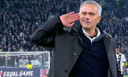 Mourinho châm chọc CĐV Juventus sau chiến thắng.