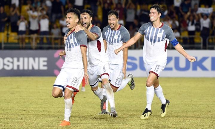Niềm vui của cầu thủ Philippines sau khi Reichelt ghi bàn duy nhất vào lưới Singapore. Ảnh: AFF.