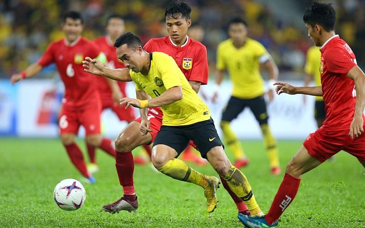 Norshahrul hai lần liên tiếp giúp Malaysia vượt khó trước Campuchia và Lào. Ảnh: AFF Cup.