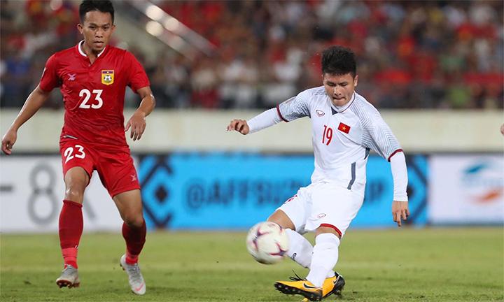 HLV Park Hang-seo sử dụng Quang Hải trong tất cảtrận đấu ông cầm quân đá giải, từ khi sang Việt Nam hơn một năm trước. Ảnh: Lâm Đồng.