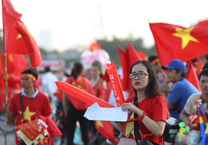 CĐV khuấy động sân Mỹ Đình trước trận Việt Nam - Malaysia