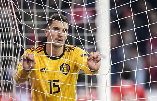 Nỗi buồn của Meunier khi Bỉ thua ngược. Ảnh: EPA.
