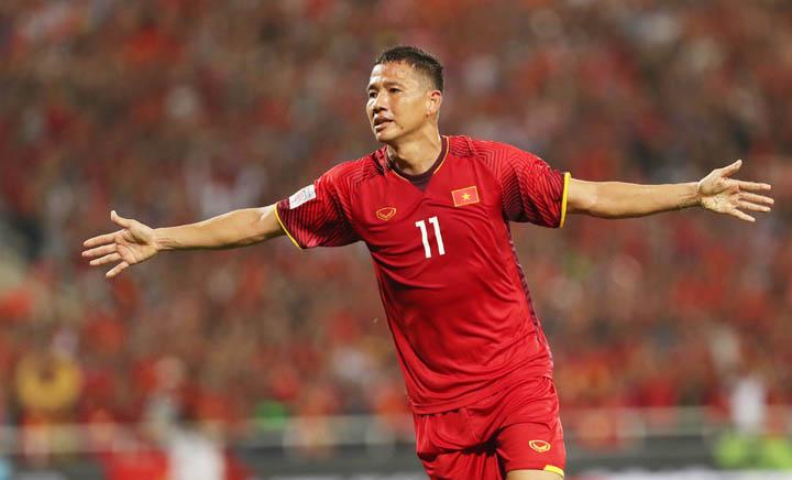 Anh Đức ăn mừng bàn thắng ấn định tỷ số 2-0 khi tiếp đón Malaysia trên sân Mỹ Đình ngày 16/11. Ảnh: Đức Đồng