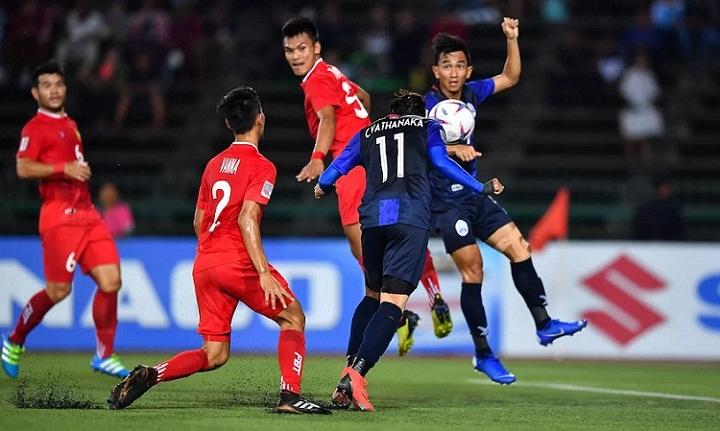 Vathanaka có bàn thắng thứ hai tại AFF Cup năm nay. Ảnh: Fox.
