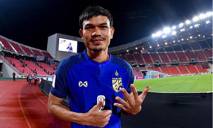 Adisak từng ghi sáu bàn vào lưới Timor, trước khi có một bàn trong mỗi trận thắng Indonesia và Singapore. Ảnh: AFF