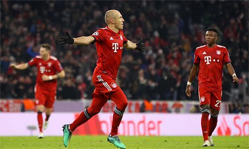 Cú đúp của Robben là điểm nhấn đẹp mắt trong chiến thắng đậm của Bayern.