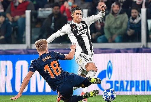 Ronaldo tỏa sáng mang về ba điểm quan trọng cho Lão Bà thành Turin. Ảnh: AP.