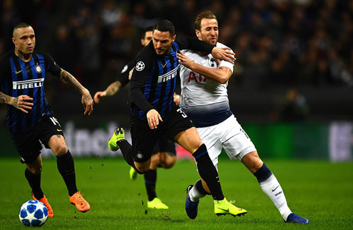 Inter suýt gìành vé sớm khi cầm chân Tottenham trong phần lớn thời gian. Ảnh: Rex.