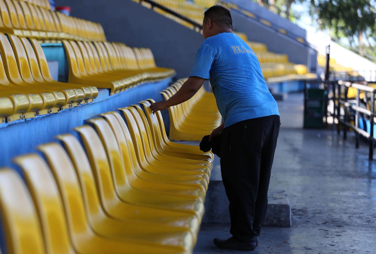 Sân Panaad gấp rút chuẩn bị cho trận Philippines - Việt Nam