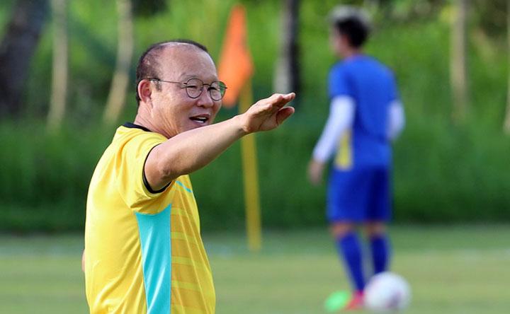 HLV Park Hang-seo hiện ở Philippines, chuẩn bị cho bán kết lượt đi AFF Cup 2018. Ảnh: Đức Đồng.