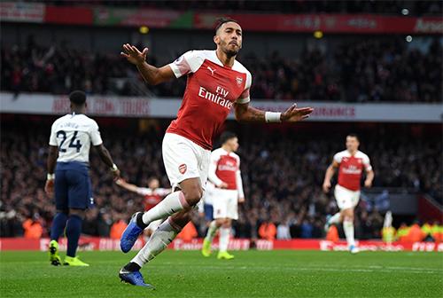 Aubameyang góp một cú đúp và một đường kiến tạo trong chiến thắng của Arsenal.