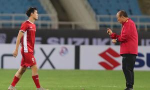 Văn Toàn chưa thể tập luyện trước trận đấu Philippines