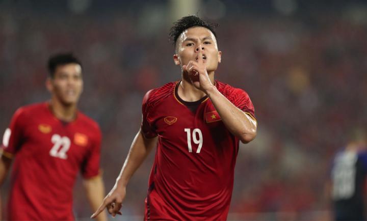 Quang Hải mừng bàn mở tỷ số vào lưới trên sân Mỹ Đình. Ảnh: Đức Đồng.