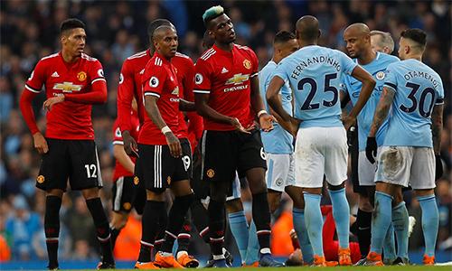 Man Utd được đầu tư một số bản hợp đồng đắt giá như Pogba, nhưng Mourinho cho rằng thế vẫn là chưa đủ.