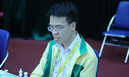 Quang Liêm là kỳ thủ duy nhất đoạt HC vàng ở hai nội dung cá nhân tại Đại hội TDTT Toàn quốc 2018. Ảnh: vnchess.