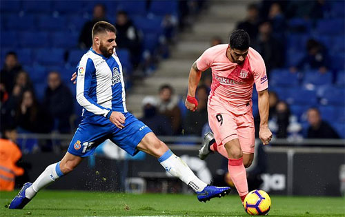 Messi lập cú đúp sút phạt, Barca đại thắng trận derby - ảnh 3