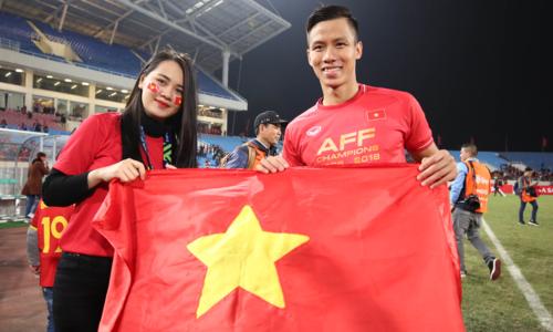 Ngọc Hải dành thời gian cho gia đình sau AFF Cup. Ảnh: Đức Đồng.