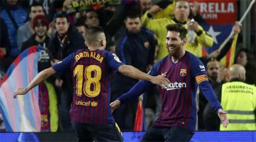 Alba góp công vào cả hai bàn.