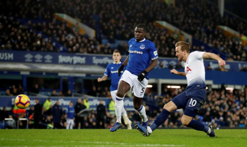 Kane ghi cú đúp ở mỗi trận trong bốn lần gần nhất chạm trán Everton. Ảnh: Reuters.
