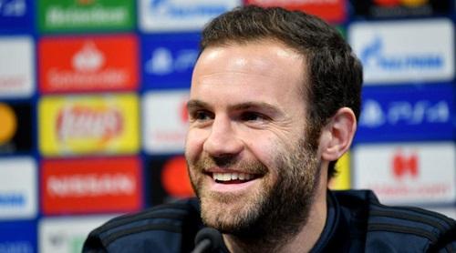 Juan Mata viết blog hàng tuần, chia sẻ những cảm xúc của anh trong thời gian thi đấu cho Man Utd.